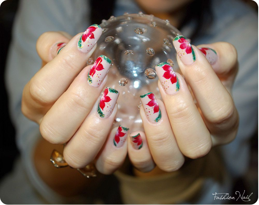 http://a394.idata.over-blog.com/3/65/11/92/A-Nail-Art-14/nailartNoel2011-2.jpg